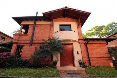 Alquiler Casa En Condominio Barrio Mburucuya