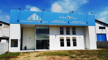 Oficina Con Galpón De 800 M2 En El Parque Industrial