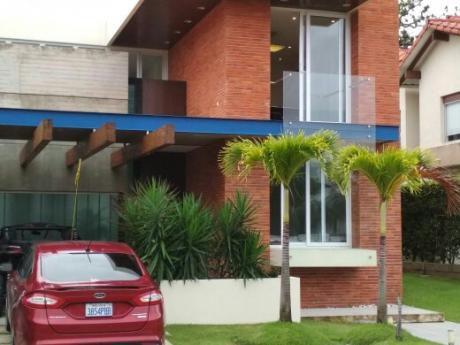 Casa De Lujo Colinas Del Urubo