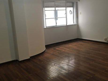Buern Apartamento En Pleno Centro Colonia Y Julio Herrera