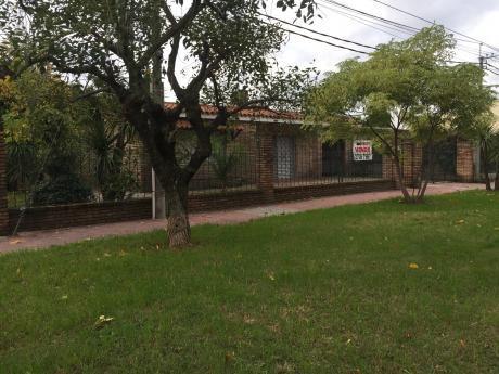 Casa Una Planta En Solar De 620 M2 200 M2 Con Piscina