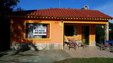 San Luis- Casa Dos Dormitorios Con Monoambiente Al Fondo