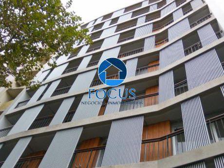 Estrene Ya!!! 2 Dormitorios Con Terraza A Cuadras De La Rbla.