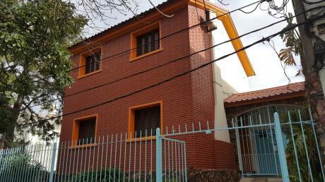 Brazo Oriental Venta Casa Dos Plantas Frente A Nuevo Centro !