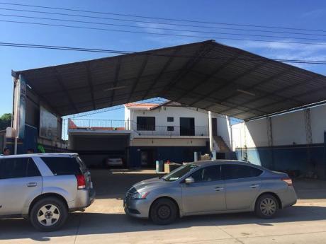 Oferton Casa Comercial Con Lavadero Nuevo