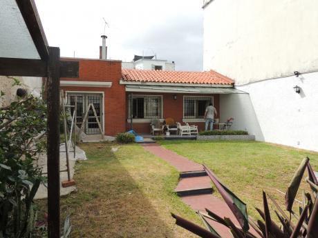 Casa Con Garaje En Alquiler En Pocitos, Rivera Y Pastoriza.