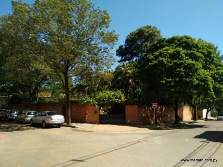 Hermoso Terreno En Importante Esquina - B° Villa Morra - 2.095 M2 (192)