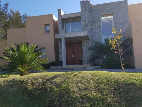 """Venta Y Alquiler Casa En Barrio Privado """"altos De La Tahona"""""""