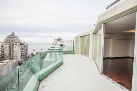 Penthouse De Primer Nivel En Pocitos Vista Al Mar