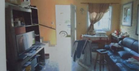 Vendo Duplex De 3 Dormitorios En Villa Elisa En Condominio Zona Av Defensores