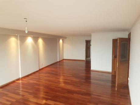 Alquiler Apartamento De 3 Dormitorios Punta Carretas