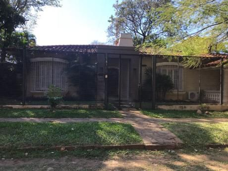 Vendo Hermosa Casa Con Increibles Medidas 820 M2 De Terreno 440 M2 Construidos