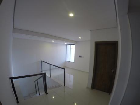 Vendo Hermosa Casa A Estrenar Zona Ita Enramada - Av. Peron