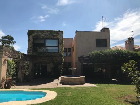 Se Vende Casa En Jardines De Carrasco
