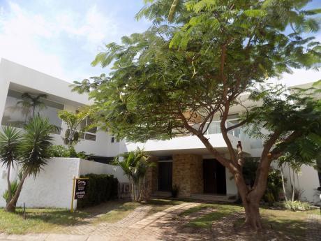 Casa En Venta, Urbanización La Hacienda I, Av. Beni 5to Anillo