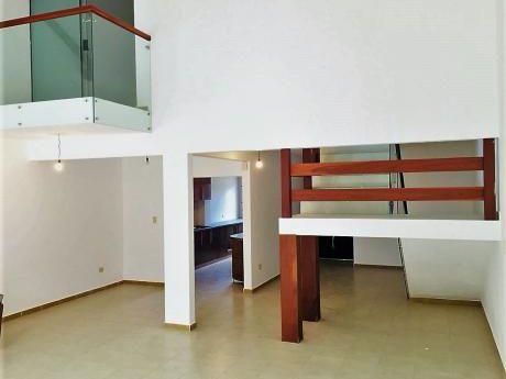 De Ocasion! Hermosa Casa En Venta En Condominio Al Norte