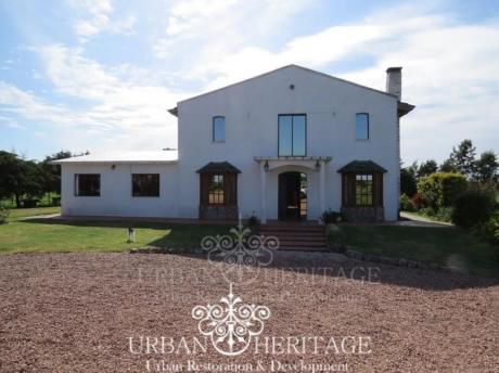 Beautiful Chacra Farm House With 1.5 Hectares Of Land
