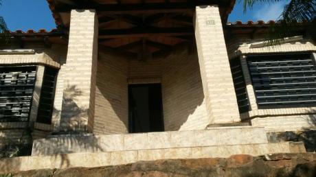 Vendo Hermosa Casa En Barrio Mbokajaty