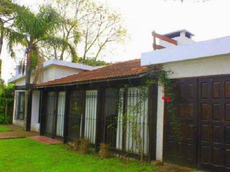 Casa En Venta 300 Mts De Playa  Mansa Punta Del Este L  - Ref: 28856