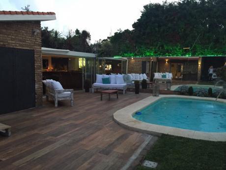 Casa Espectacular En Carrasco Sur