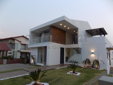 Urubo Cond. Sta. Cruz La Vieja, Hermosa Casa Nueva En Venta