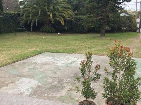 Terreno En Av. Principal De Parque Miramar