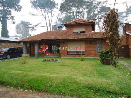 Impecable Casa En Venta En Zona De Cantegril Punta Del Este - Ref: 1104
