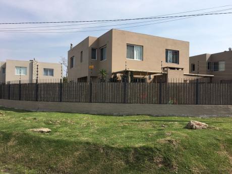 A Estrenar Casa En Barra De Carrasco