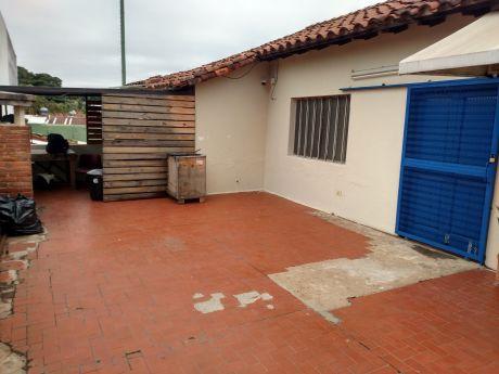 A-016 Alquilo Oficina - Barrio Villa Morra.