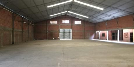 Amplio Galpón + Oficinas  Para Empresa - Santa Cruz De La Sierra