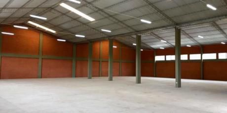 Renatta Schaimann Alquila: Para Uso Empresarial Galpón Amplio - Santa Cruz De La Sierra