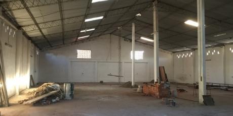 En Zona Comercial Amplio Y Cerrado GalpÓn - Santa Cruz De La Sierra
