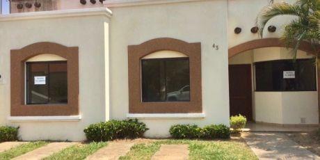 En Condominio Paradisso Bonita Y Funcional Casa - Santa Cruz De La Sierra