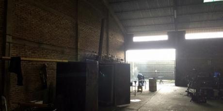 Terreno, Galpón Y Oficinas, Ideal Para Una Gran Industria - Santa Cruz De La Sierra