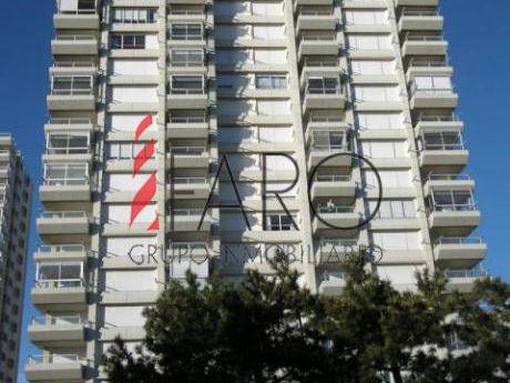 Apartamento En Mansa 3 Dormitorios 2 Baños, Garage - Ref: 32627