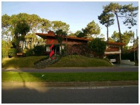 Casa En Mansa 4 Dormitorios Con Parrilla Y Garage - Ref: 33458