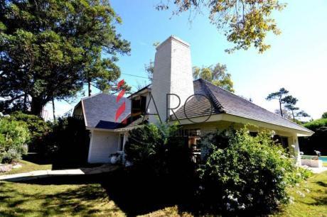 Casa En Mansa 3 Dormitorios Con Piscina Y Parrilla - Ref: 33864