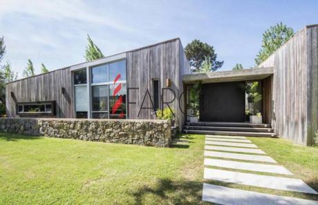 Casa En La Arbolada 5 Dormitorios Con Piscina Y Parrillero. - Ref: 34410
