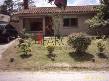 Casa En Pinares 3 Dormitorios 2 Baños Parrillero - Ref: 34457