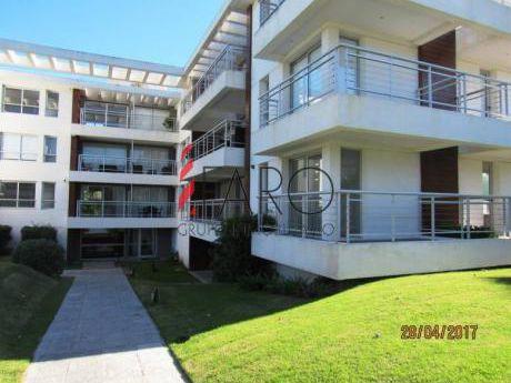 Apartamento En Brava 2 Dormitorios A Estrenar - Ref: 34685