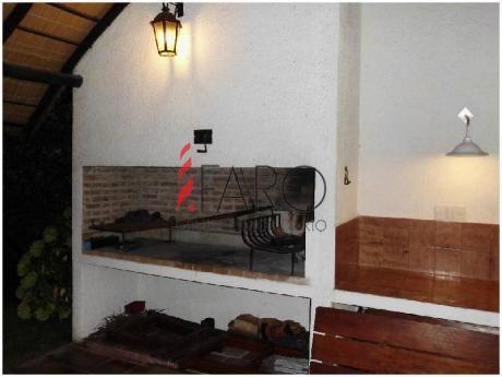 Hermosa Casa En Venta En La Zona De Pinares!  - Ref: 36147