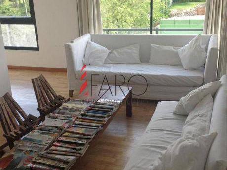 Apartamento En Brava 3 Dormitorios Con Garage