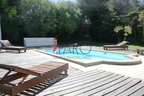 Casa En El Chorro 4 Suite, A Metro Del La Playa. Vista Al Mar. Piscina.