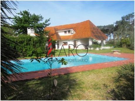Casa En Brava 3 Dormitorios C/piscina Y Parrillero