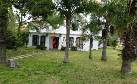 Casa En Pinares 3 Dormitorios Y Dependencia Con Parrillero Y Garage
