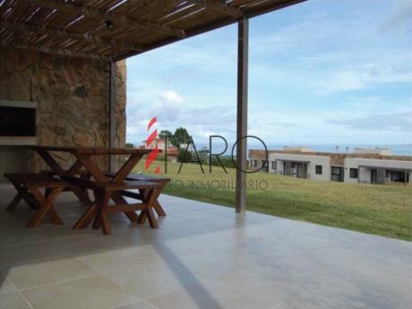 Apartamento En Punta Ballena C/ Terraza Y Parrilla