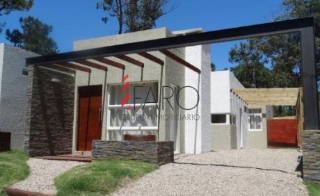 Casa En Pinares 2 Dormitorios Con Parrillero