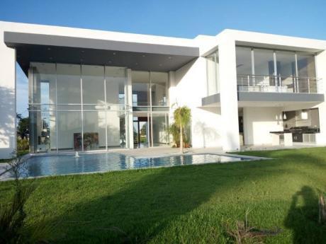 Hermosa Casa En Venta- Urubo