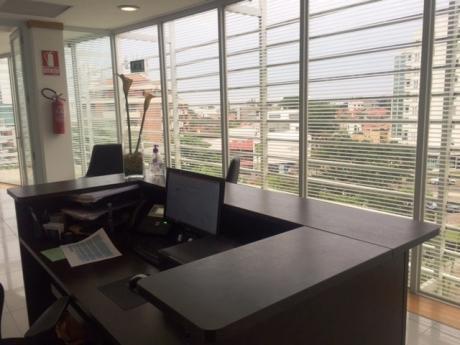 Oficina En Venta – Equipetrol