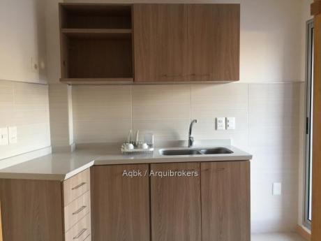 87023 - Apartamento De 3 Dormitorios En Venta En La Blanqueada